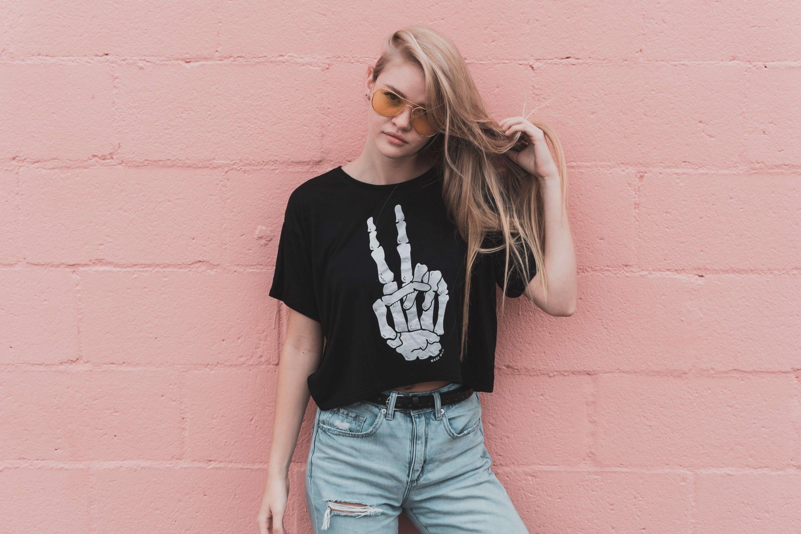 attitude girl dp, attitude fashion